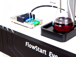 Photochemistry combined with flow chemistry in FlowStart Evo